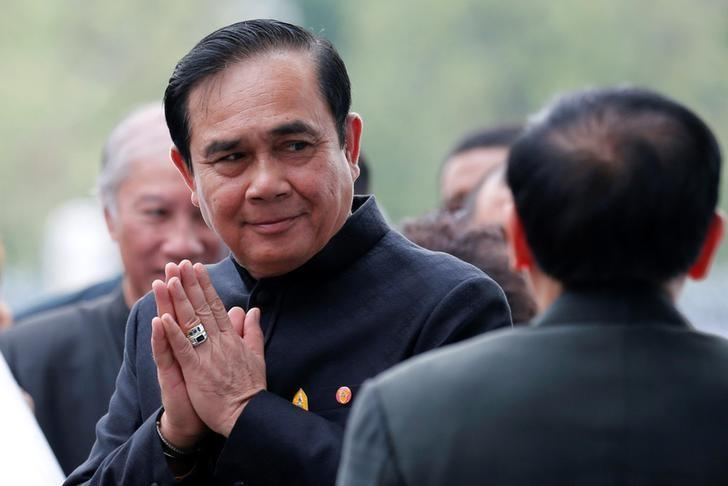 Thailand's Prime Minister Prayuth Chan-ocha gestures in a traditional greeting as he arrives at a weekly cabinet meeting at the Government House in Bangkok, Thailand, April 4, 2017. REUTERS/Chaiwat Subprasom