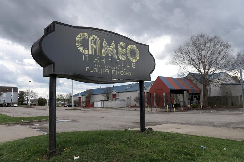 The parking lot of Cameo Nightlife club remains empty after police removed barrier tape from the scene of a mass shooting in Cincinnati, Ohio, U.S. March 26, 2017. REUTERS/Caleb Hughes/Files