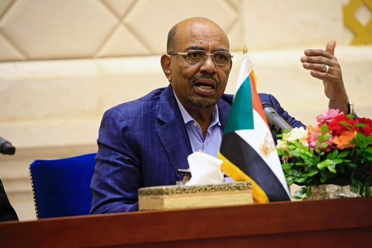 Sudan's President Omar Hassan al-Bashir speaks during a press conference after the oath of the prime minister and first vice president Bakri Hassan Saleh at the palace in Khartoum, Sudan March 2, 2017. REUTERS/Mohamed Nureldin Abdallah