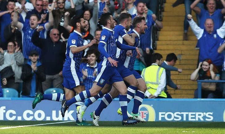 Britain Football Soccer - Sheffield Wednesday v Newcastle United - Sky Bet Championship - Hillsborough - 8/4/17 Tom Lees of Sheffield Wednesday celebrates scoring their first goal with team mates  Mandatory Credit: Action Images / John Clifton Livepic