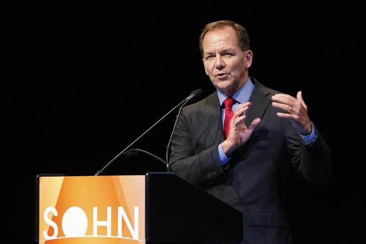 Paul Tudor Jones, founder and chief investment officer of Tudor Investment Corporation, speaks at the Sohn Investment Conference in New York, May 5, 2014. REUTERS/Eduardo Munoz/Files