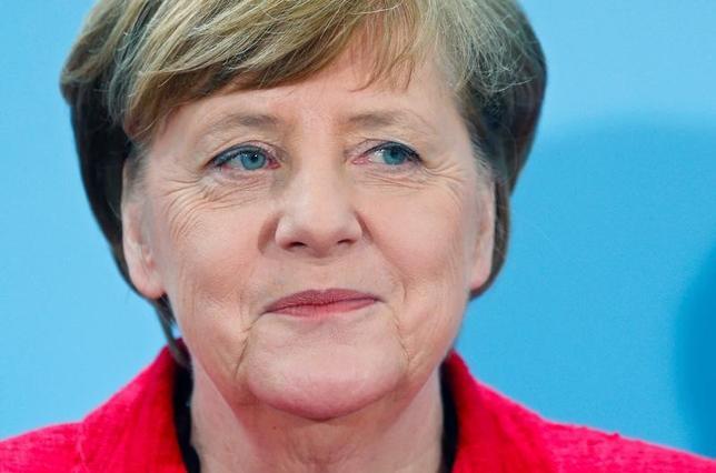 4月11日、世論調査機関フォルザが公表したドイツの世論調査結果で、初めて投票権を得る若者世代のほぼ半分がメルケル首相(写真)を支持していることが分かった。7日撮影(2017年 ロイター/Hannibal Hanschke)