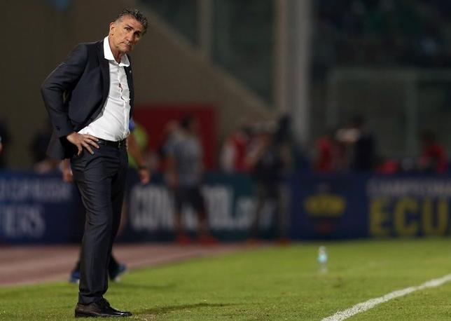 4月11日、サッカーのアルゼンチン代表を率いるエドガルド・バウサ監督(59)が10日、2018年ワールドカップ(W杯)南米予選での成績不振により解任された。2016年10月撮影(2017年 ロイター/Marcos Brindicci)