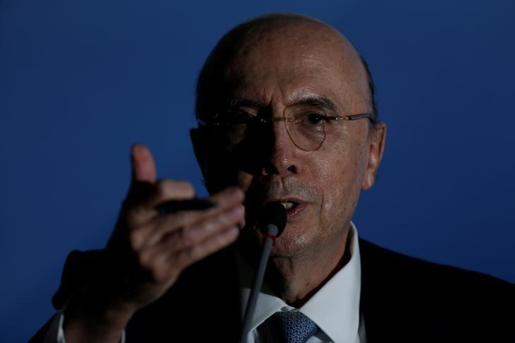 Brazil's Finance Minister Henrique Meirelles speaks during a news conference at the Planalto Palace, in Brasilia, Brazil April 7, 2017. REUTERS/Ueslei Marcelino
