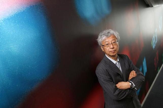 4月13日、伊藤元重・東京大学名誉教授(学習院大教授)は、18日に第1回会合を開く日米経済対話で、貿易不均衡問題がテーマの1つになるとしても、対ロシア関係や北朝鮮問題を抱える米国は、日米関係の強化を優先、日本に厳しく対することはないとの見方を示した。写真は都内で2014年5月撮影(2017年 ロイター/Toru Hanai)