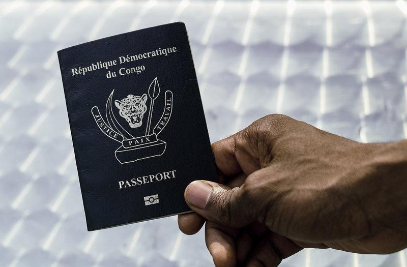 Les Couteux Passeports Biometriques De La Rdc Reuters