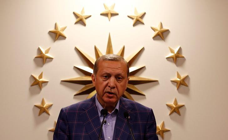 Turkish President Tayyip Erdogan speaks during a news conference in Istanbul, Turkey, late April 16, 2017. REUTERS/Murad Sezer