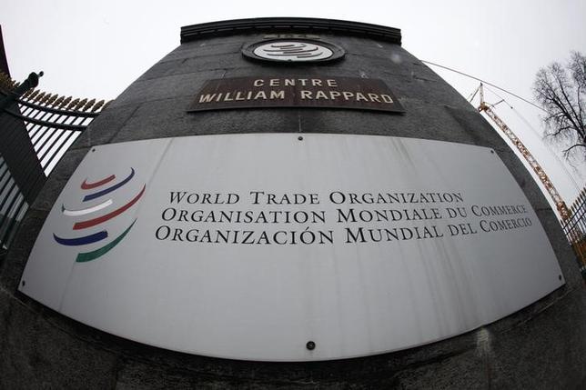 4月25日、中国は世界貿易機関(WTO)に対し、ダンピング(不当廉売)や補助金に対する制裁措置の見直しを提案した。写真はジュネーブにあるWTO本部の入り口。2013年4月撮影(2017年 ロイター/Ruben Spric)