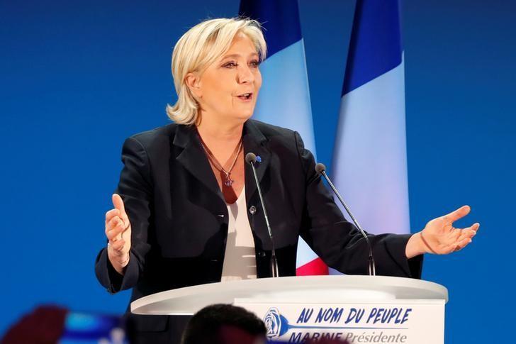 2017年4月23日,法国大选候选人、民族阵线领袖勒庞在大选首轮投票后发表讲话。REUTERS/Charles Platiau