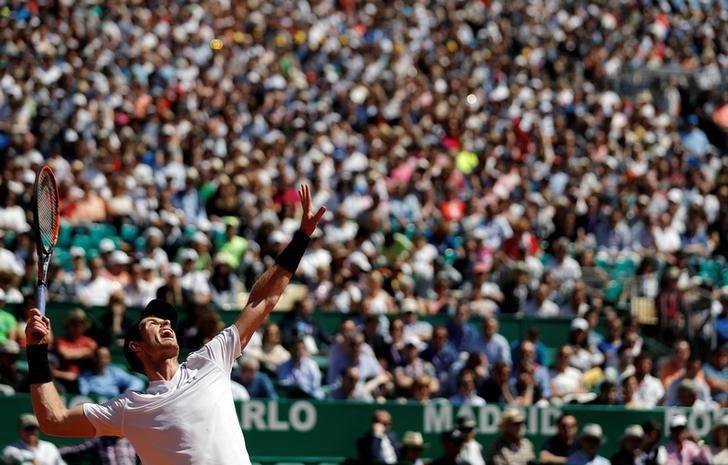 Tennis - Monte Carlo Masters - Monaco, 20/04/2017. Andy Murray of Britain serves to Albert Ramos-Vinolas of Spain.      REUTERS/Eric Gaillard