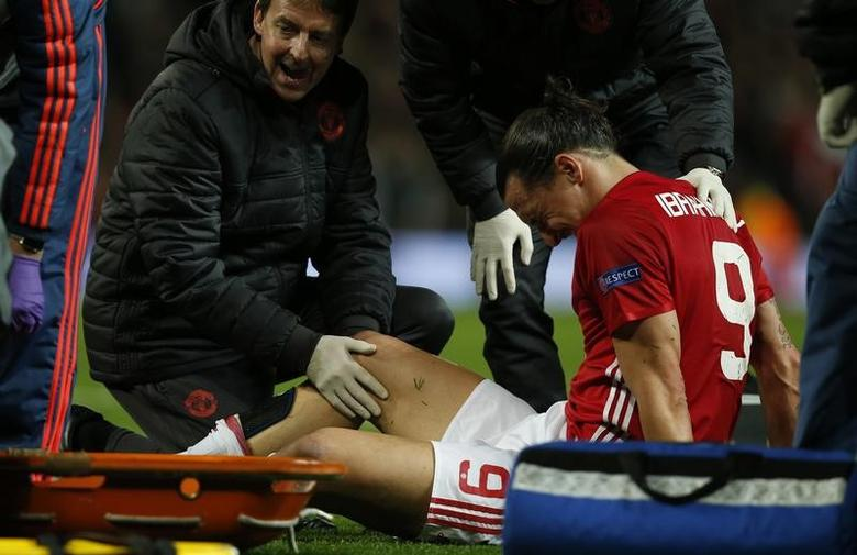 Britain Football Soccer - Manchester United v RSC Anderlecht - UEFA Europa League Quarter Final Second Leg - Old Trafford, Manchester, England - 20/4/17 Manchester United's Zlatan Ibrahimovic receives medical attention after sustaining an injury  Reuters / Andrew Yates Livepic
