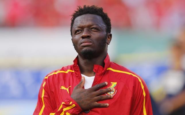 5月2日、サッカーのイタリア・セリエAのペスカラに所属するガーナ人選手サリー・ムンタリが、スタンドからの人種差別の声に対して自主的にピッチを去り、退場処分を受けた件について、同リーグの規律委員会は1試合の出場停止を発表した。2014年6月撮影(2017年 ロイター/Wolfgang Rattay)