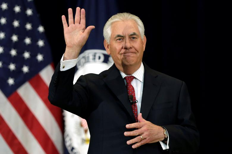 U.S. Secretary of State Rex Tillerson waves after delivering remarks to the employees at the State Department in Washington, U.S., May 3, 2017. REUTERS/Yuri Gripas