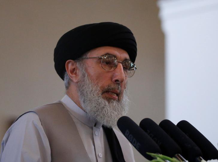 Afghan warlord Gulbuddin Hekmatyar speaks during a welcoming ceremony at the presidential palace in Kabul, Afghanistan May 4, 2017. REUTERS/Omar Sobhani