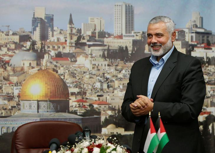 FILE PHOTO: Senior Hamas leader Ismail Haniyeh gestures before delivering a farewell speech for his former position as a Hamas government Prime Minister, in Gaza City June 2, 2014.  REUTERS/Suhaib Salem/File Photo