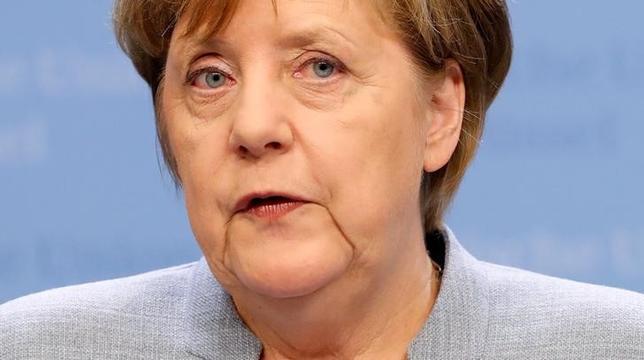 5月7日、ドイツ北部のシュレスウィヒ・ホルシュタイン州で行われた州議会選挙では、メルケル首相(写真)率いるキリスト教民主同盟(CDU)が社会民主党(SPD)に勝利した。4月撮影(2017年 ロイター/Christian Hartsman)