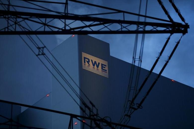 The logo of RWE  is seen at block F/G of RWE's new coal power plant in Neurath, north-west of Cologne, Germany in this picture taken March 3, 2016.    REUTERS/Wolfgang Rattay