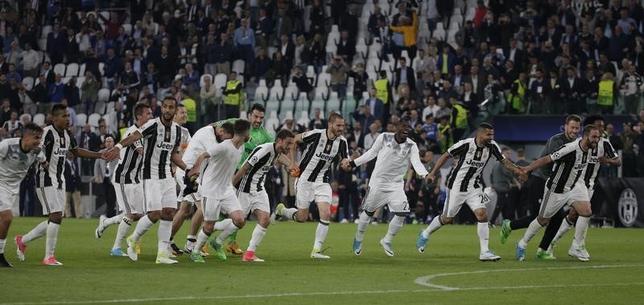 5月9日、サッカーの欧州チャンピオンズリーグ準決勝は第2戦のユベントス(イタリア)─モナコ(フランス)の試合を行い、ユベントスが2─1で勝利。2戦合計4─1で決勝に進出した(2017年 ロイター)