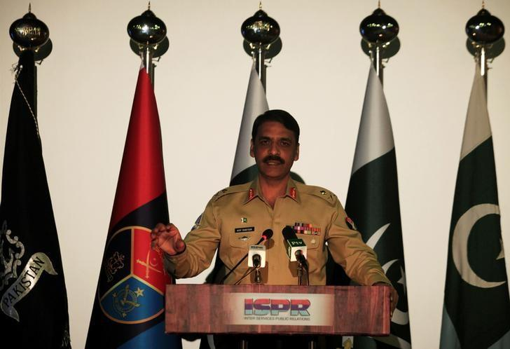 Maj. Gen. Asif Ghafoor, director general of Inter Services Public Relations (ISPR), speaks during a news conference in Rawalpindi, Pakistan, April 17, 2017.  REUTERS/Faisal Mahmood