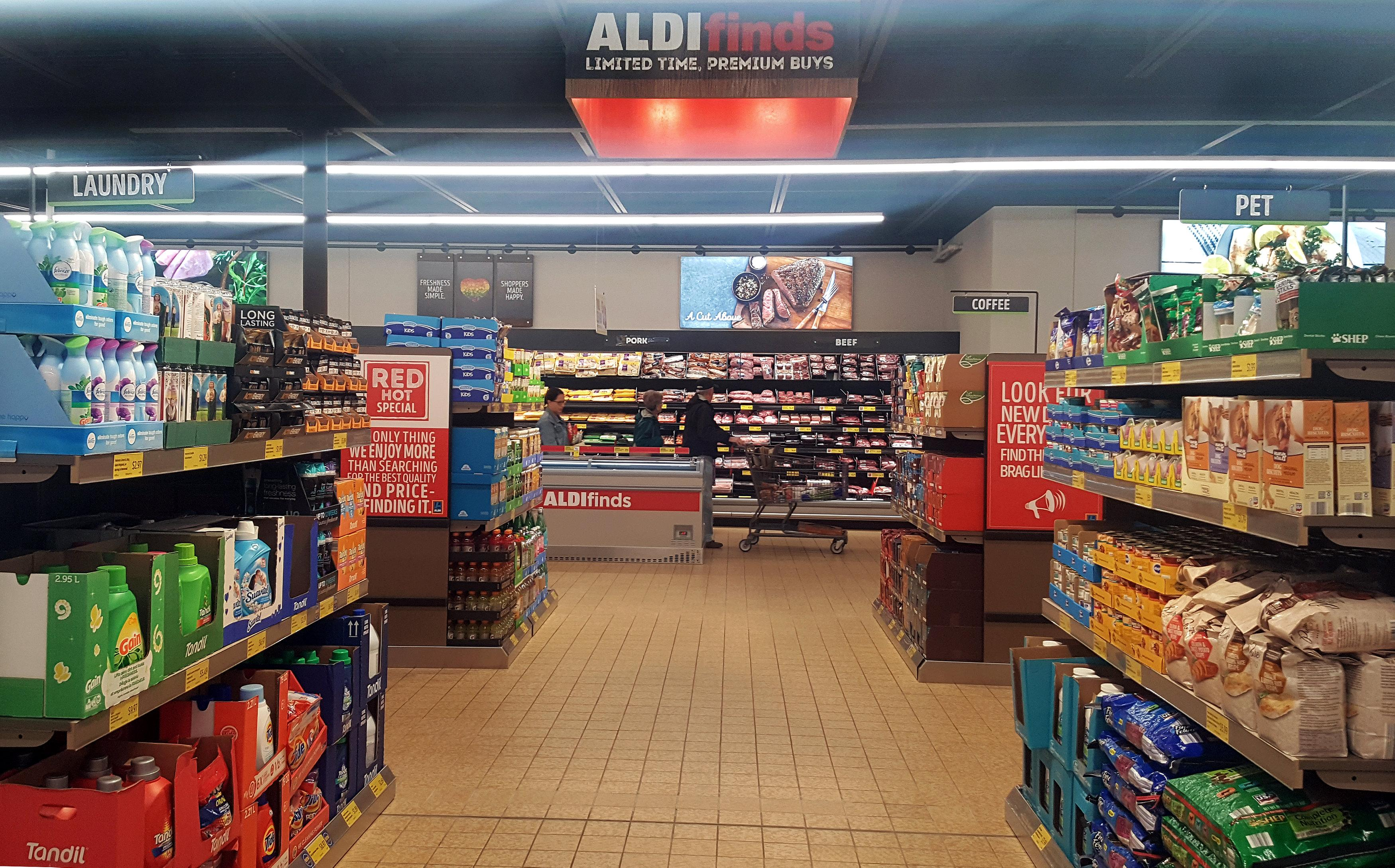 Exclusive: Aldi raises stakes in U S  price war with Wal