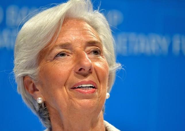 5月12日、国際通貨基金(IMF)のラガルド専務理事は、依然としてユーロ圏の意図が十分に明確でないため、IMFとユーロ圏がギリシャ債務軽減策で合意するにはさらに時間が必要との考えを示した。写真はワシントンで4月撮影(2017年 ロイター/Mike Theiler)