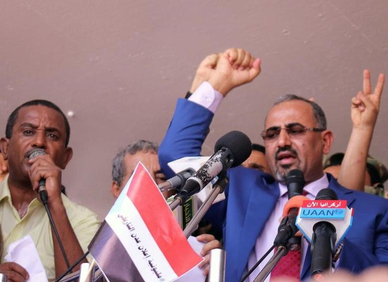 Dismissed governor of the southern Yemeni port city of Aden, Aidaroos al-Zubaidi (R), waves to  supporters of the separatist Southern Movement as they demonstrated against recent decisions by President Abd-Rabbu Mansour Hadi that sacked senior officials supported by the United Arab Emirates, including al-Zubaidi in Aden, Yemen May 4, 2017. REUTERS/Fawaz Salman