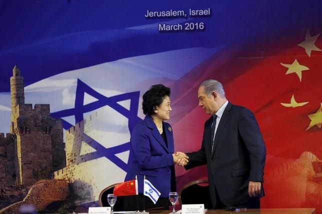 5月11日、中国企業によるイスラエルのハイテク企業買収が急増している。規制強化などで事業買収が難しくなった米国に代わり、中国企業からの出資の受け入れに前向きなイスラエルが有望な投資先に浮上したためだ。写真はエルサレムで2016年3月撮影(2017年 ロイター/Ronen Zvulun)