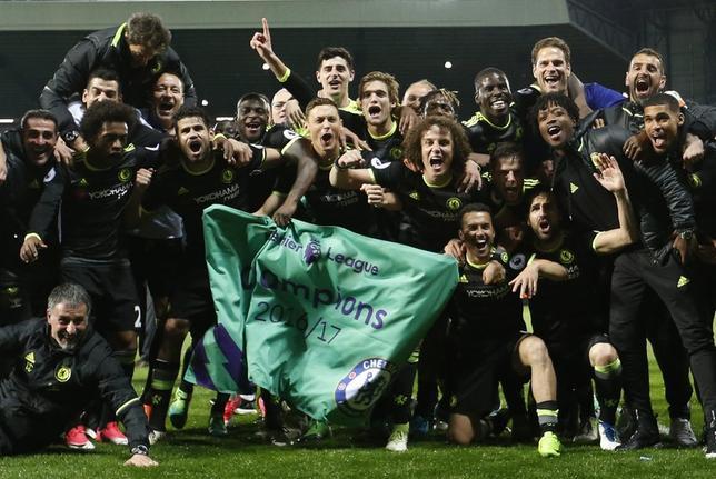 5月12日、サッカーのイングランド・プレミアリーグ、首位チェルシーは敵地でウエストブロムウィッチに1─0で勝利。今季リーグ優勝を決めた(2017年 ロイター)