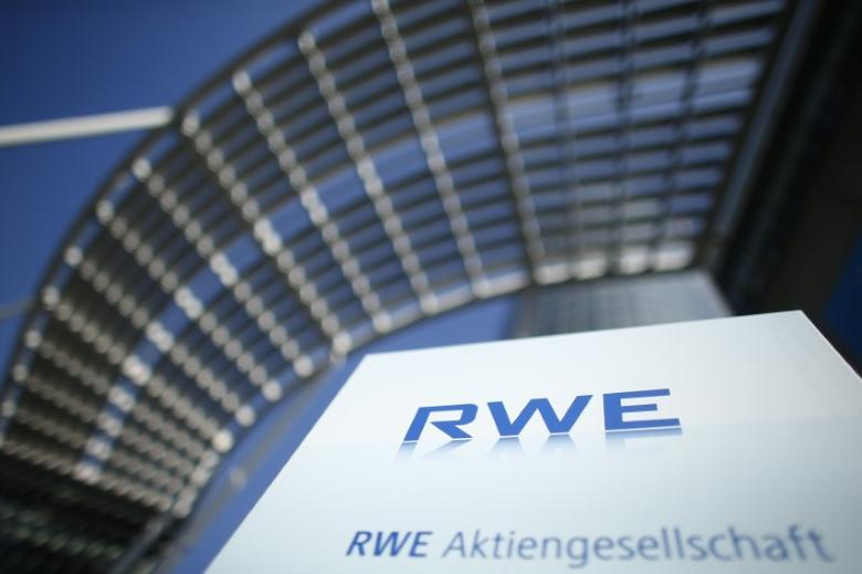 RWE logo in Essen, Germany, March 14, 2017. Reuters/Thilo Schmuelgen - RTX30XDO