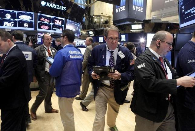 5月15日、米国株式市場は上昇し、S&P総合500種とナスダック総合が最高値を更新して引けた。2016年1月撮影(2017年 ロイター/Brendan McDermid)