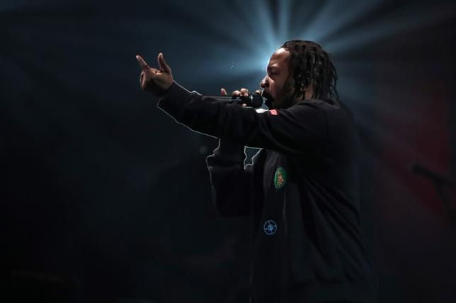 Kendrick Lamar performs at the Global Citizen Festival at Central Park in Manhattan, New York, U.S., September 24, 2016. REUTERS/Andrew Kelly