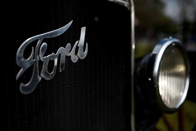 FILE PHOTO: A Ford logo is seen on a vintage car near Henry Ford's ancestral home in Ballinascarthy, Ireland April 20, 2017. REUTERS/Clodagh Kilcoyne/File Photo