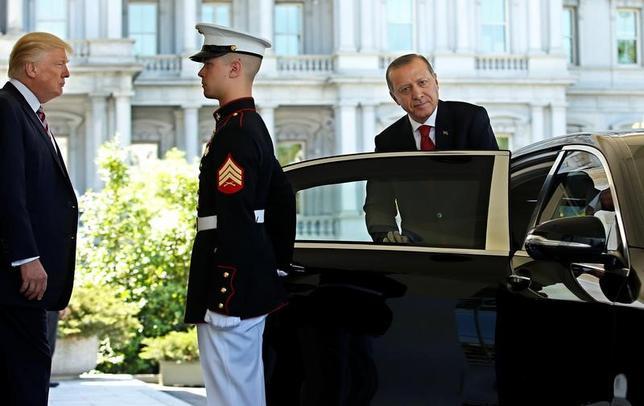 5月16日、トルコのエルドアン大統領は、ホワイトハウスでトランプ米大統領と会談した。(2017年 ロイター/Joshua Roberts)