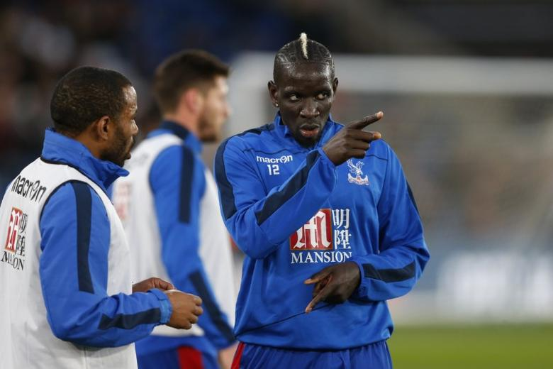 Britain Football Soccer - Crystal Palace v Arsenal - Premier League - Selhurst Park - 10/4/17 Crystal Palace's Mamadou Sakho warms up before the match  Action Images via Reuters / Matthew Childs Livepic