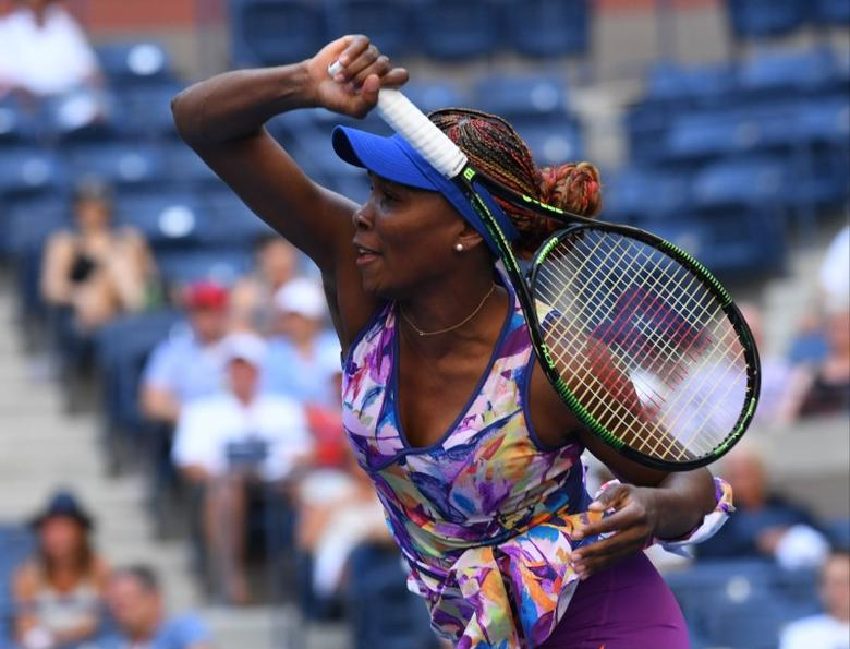 FILE PHOTO: Aug 30, 2016; New York, NY, USA; Venus Williams of the USA hits to Kateryna Kozlova of Ukraine (not pictured) on day two of the 2016 U.S. Open tennis tournament at USTA Billie Jean King National Tennis Center. Robert Deutsch-USA TODAY Sports  / Reuters