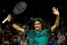 Roger Federer tomó una decisión inteligente al retirarse del Abierto de Francia que se juega esta mes, donde tiene menos opciones de sumar su título 18 del Grand Slam que en los torneos sobre superficie rápida, dijo el jueves Novak Djokovic.  En la imagen, Federer tras un partido en el Abierto de Miami, el 31 de marzo de 2017.  Geoff Burke-USA TODAY Sports