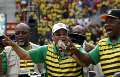 South African President Jacob Zuma addresses supporters of his ruling African National Congress (ANC), at a rally to launch the ANC's local government election manifesto in Port Elizabeth, April 16, 2016. REUTERS/Mike Hutchings