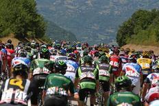 Le peloton du Tour d'Italie./Photo prise le 25 juillet 2015/REUTERS/� Stefano Rellandini / Reuters