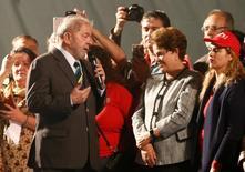 Lula e Dilma após depoimento do ex-presidente ao juiz Sérgio Moro em Curitiba 10/5/2017     REUTERS/Rodolfo Buhrer