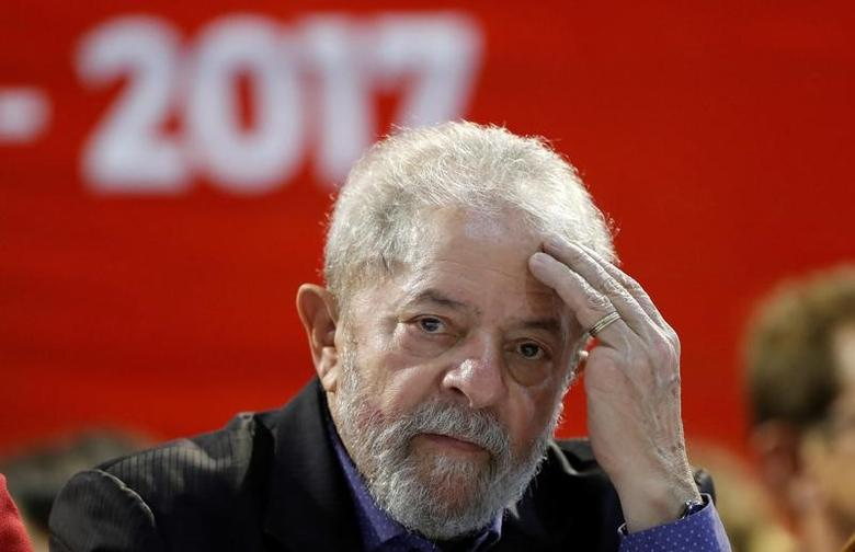FILE PHOTO:  Brazil's former President Luiz Inacio Lula da Silva attends a Workers Party (PT) congress in Sao Paulo, Brazil, May 5, 2017. REUTERS/Leonardo Benassatto/File Photo