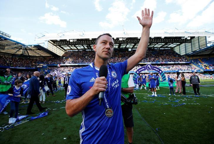 Britain Football Soccer - Chelsea v Sunderland - Premier League - Stamford Bridge - 21/5/17Chelsea's John Terry gestures as he gives a speech on the pitch after winning the Premier League Reuters / Eddie Keogh/ Livepic