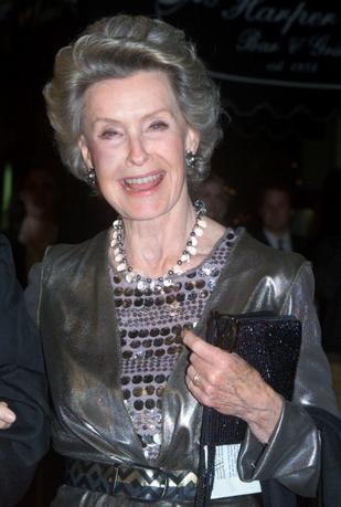 FILE PHOTO: Actress Dina Merrill, star of the new film ''The Magnficent Ambersons'' arrives for the film's premier in Los Angeles, California, U.S. January 9, 2002.REUTERS/Rose Prouser/File Photo