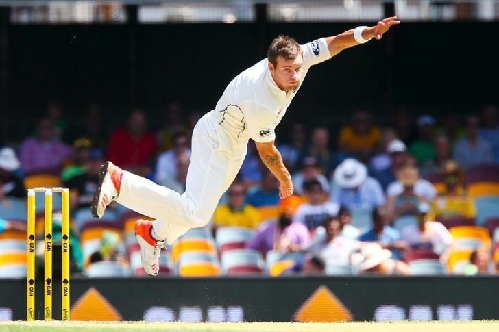New Zealand bowler Doug Bracewell during the first cricket test match between Australia and New Zealand in Brisbane November 7, 2015. REUTERS/Patrick Hamilton/Files