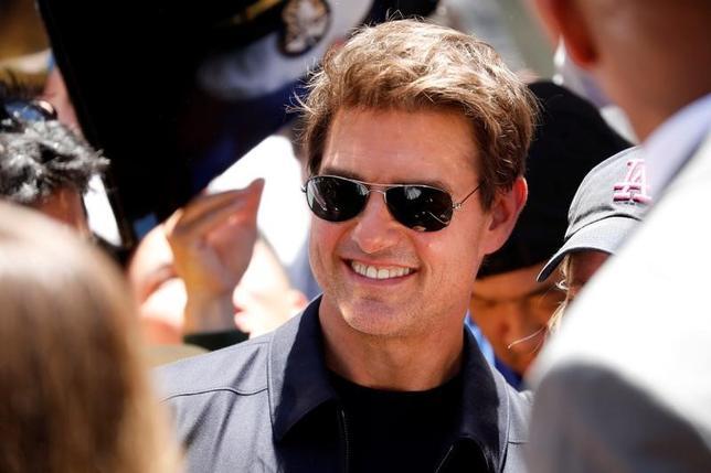 5月23日、米俳優トム・クルーズは、オーストラリアで出演したテレビ番組で、「トップガン」の続編について「間違いなく製作される」と発言した。写真は20日カリフォルニアで撮影(2017年 ロイター/Patrick T. Fallon)
