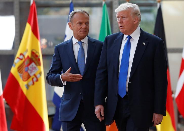 U.S. President Donald Trump (R) walks with the President of the European Council Donald Tusk in Brussels, Belgium, May 25, 2017.       REUTERS/Francois Lenoir
