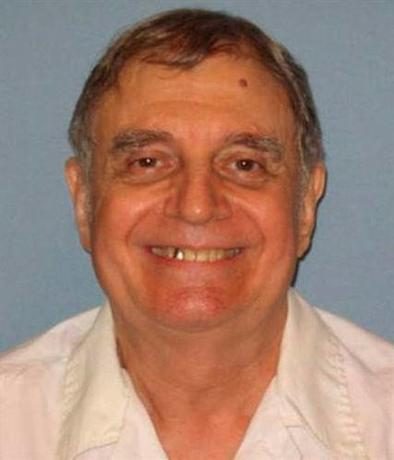 Death row inmate Tommy Arthur, scheduled to be executed November 3, 2016, is seen in an undated picture from the Alabama Department of Corrections.  Alabama Department of Corrections/Handout via Reuters