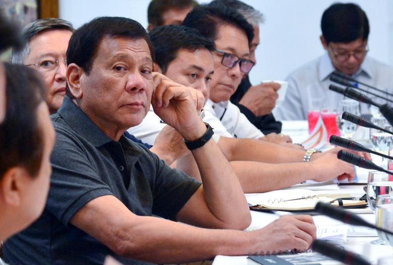 Philippine President Rodrigo Duterte presides over a special cabinet meeting at the Presidential Guest House in Panacan, Davao City, southern Philippines May 25, 2017. Malacanang Presidential Palace/Handout via Reuters