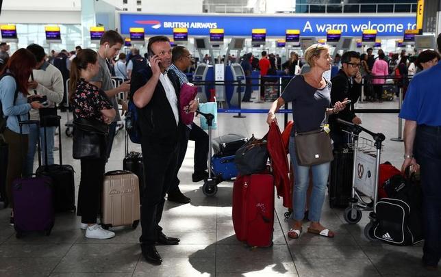 5月28日、英航空会社ブリティッシュ・エアウェイズ(BA)は、システム障害により運休していたロンドン2空港から出発する便を一部再開した。(2017年 ロイター/Neil Hall)