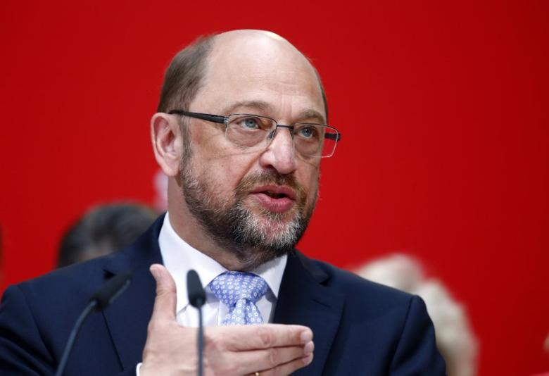 Social Democratic Party (SPD) leader Martin Schulz addresses a news conference in Berlin, Germany, May 15, 2017. REUTERS/Hannibal Hanschke