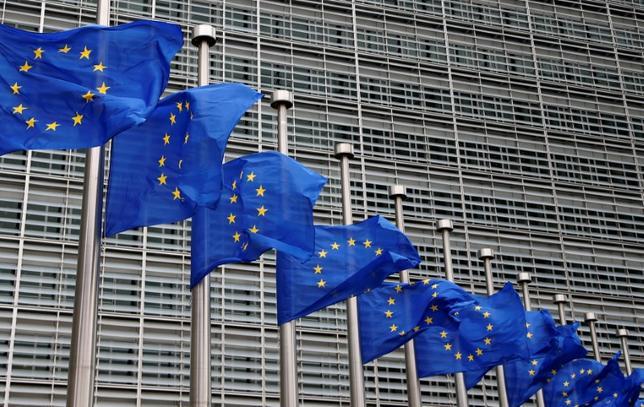 5月30日、欧州連合(EU)欧州委員会は31日公表予定の報告書で、ユーロ圏で将来的に共通予算を創設し、共同債を発行する必要性が生じる可能性を指摘する。写真は23日ブリュッセルのEC本部で撮影(2017年 ロイター/Francois Lenoir)